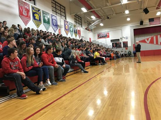 Bill Johnson spoke with 6th through 12th graders at Symmes Valley High School in Willow Wood on February 24.